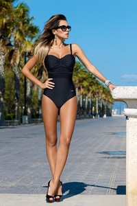 One pieces